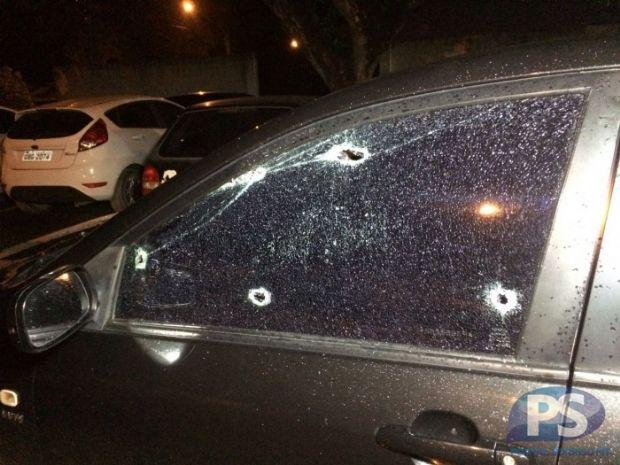 Homem tem carro alvejado e consegue escapar de tentativa de homicídio
