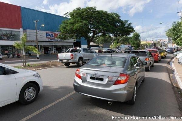 Governo notificará 14 mil proprietários de veículos com licenciamento atrasado