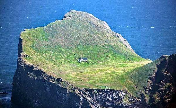 Sem eletricidade, casa 'mais isolada do mundo' fica em ilha na Islândia