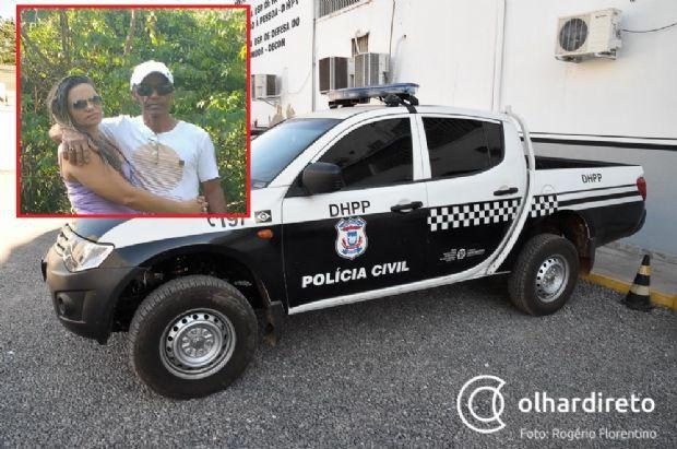 Suspeito de matar ex-mulher morre após colidir moto em caminhão parado