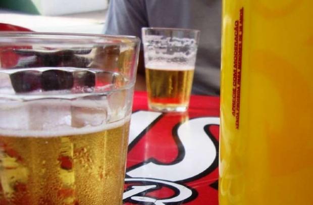 Prefeito proíbe venda de bebidas alcoólicas para barrar Covid-19