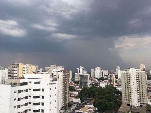 CPTEC emite alerta de atenção e especial para Cuiabá e outras 105 cidades de MT; risco de temporais e granizo