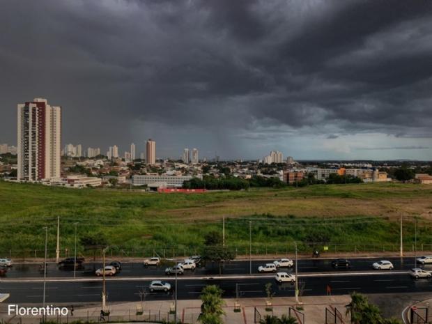 CPTEC emite alerta de tempestade, vendaval e até granizo em Cuiabá e outras 35 cidades de Mato Grosso
