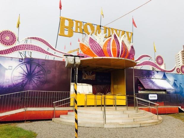 Trapezista despenca de 20 metros de altura durante apresentação em circo