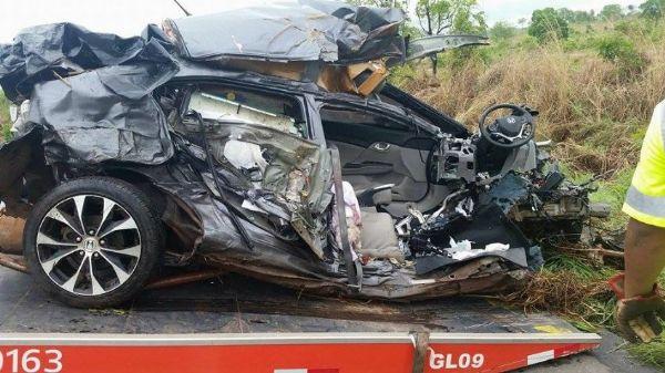 Acidente perto de Jangada envolve Honda Civic, BMW e caminhão; mulher de 48 anos morreu na hora