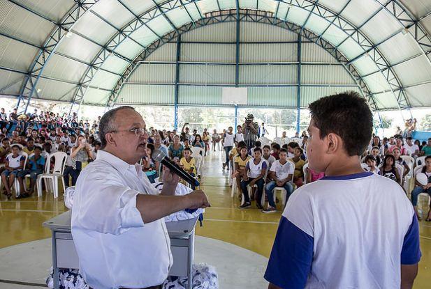Taques  anuncia assinatura de edital de 5,7 mil vagas para concurso da Educação