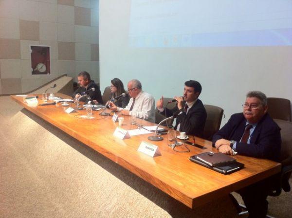 Unificação das polícias Civil e Militar é discutida em audiência