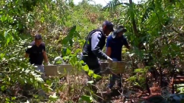 Corpo de homem é encontrado embaixo da ponte com saco plástico na cabeça