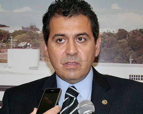 Deputado do PMDB aponta crise no governo Silval e que parlamento está para explodir