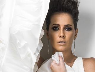 'Se não fosse famosa ninguém me notaria', diz Deborah Secco a revista