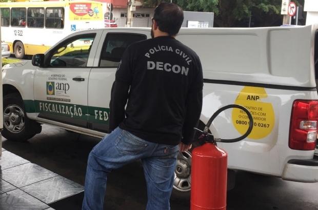 Operação investiga possíveis fraudes em 20 postos de combustíveis