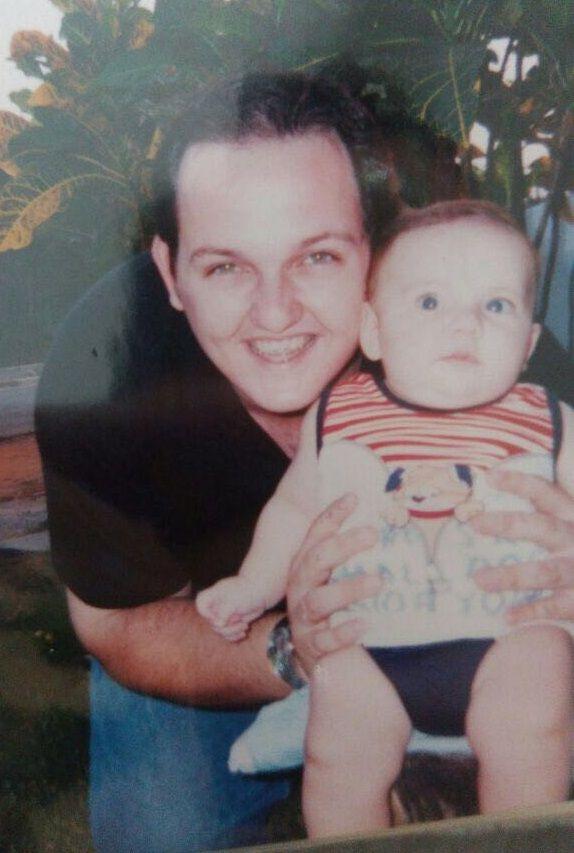 """""""Eu filmava o parto e vi meu filho nascer morto"""", conta o atleta do Cuiabá Arsenal Moisés Ferreira Salomão, de 33 anos."""
