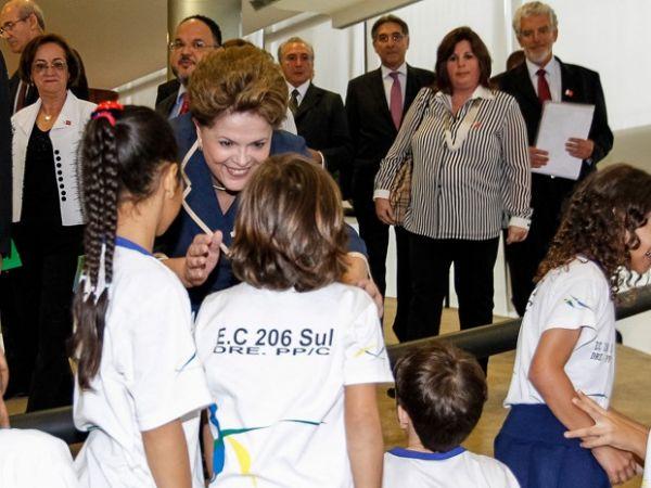 Para Dilma, educação é caminho para reduzir desigualdade no país