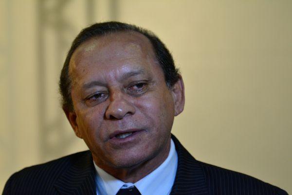 Zé Domingos é contra deputado na Saúde pois
