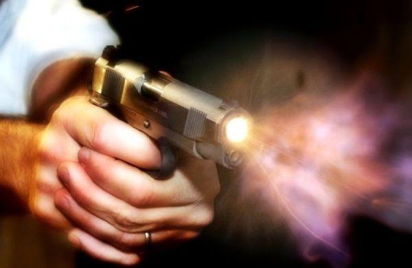 Preso rapaz de 22 anos que tentou matar homem com  três disparos