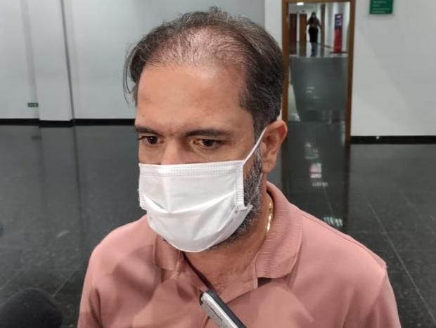 Deputado diz que número de vacinas aplicadas em MT é 'infinitamente maior' ao que está no sistema