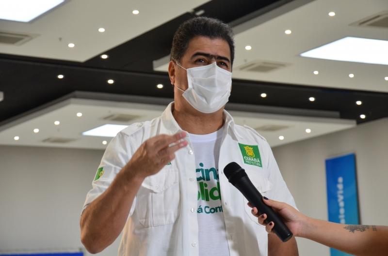 Em plano B, Emanuel pede a Bolsonaro que Ministério da Saúde envie 290 mil doses da Janssen para Cuiabá
