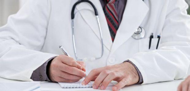 Médico acusado de violência obstétrica após morte de bebê pode perder direito de exercer profissão