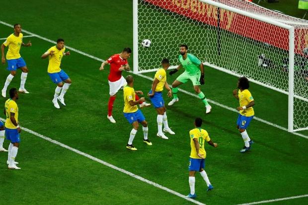 Análise: Não foi só o árbitro de vídeo, seleção estreia mal mas nem tudo está perdido