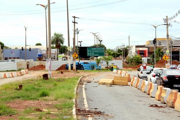 Prefeitura inicia processo de perfuração e fundação das estacas no viaduto da Beira Rio;  fotos