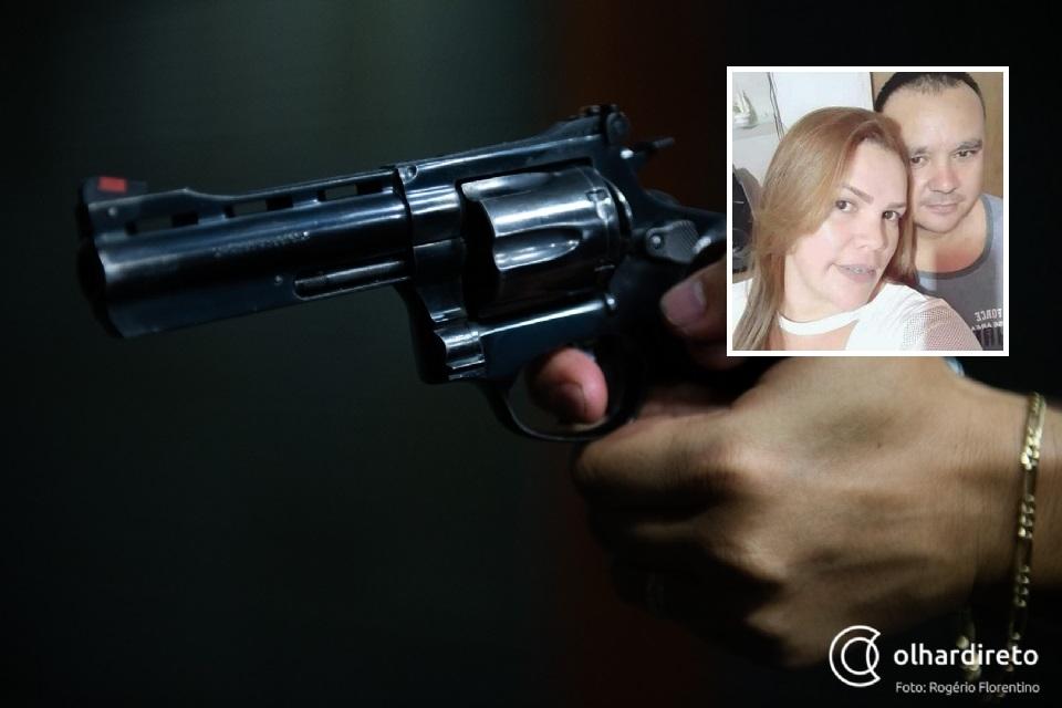 Homem mata a ex-namorada perto da filha com cinco tiros e se mata com disparo na cabeça