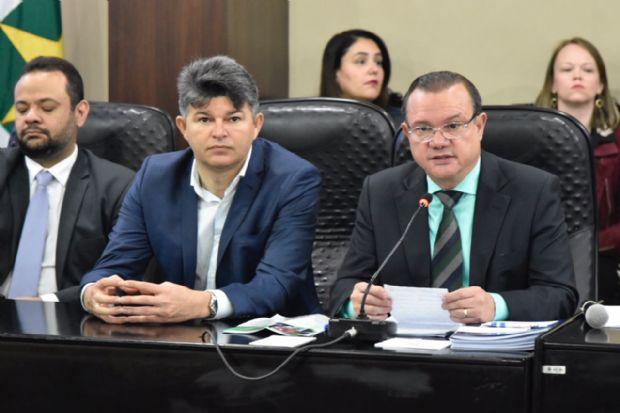 """Medeiros e Fagundes criticam desembarque """"oportunista"""" do PSDB após votação de reformas"""