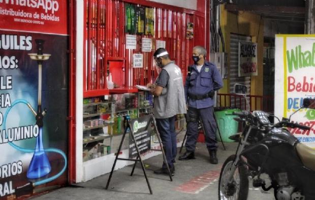 PM aplica R$ 100 mil em multas e prende dez em um dia por descumprimento de decreto