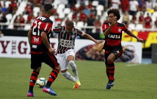 Rivais em campo, Flamengo e Fluminense dividem avião fretado com destino a Cuiabá