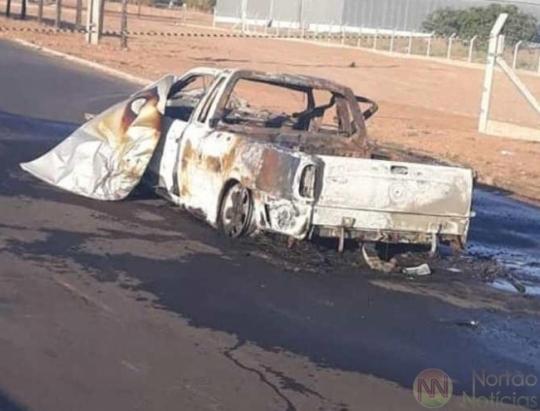 Dois morrem em colisão entre Saveiro e moto; locutor de rádio foi arrastado por cem metros