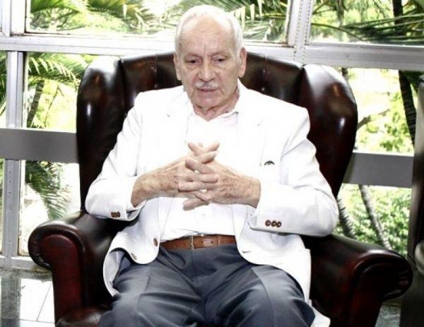 Ex-governador Frederico Campos morre aos 93 anos vítima da Covid-19
