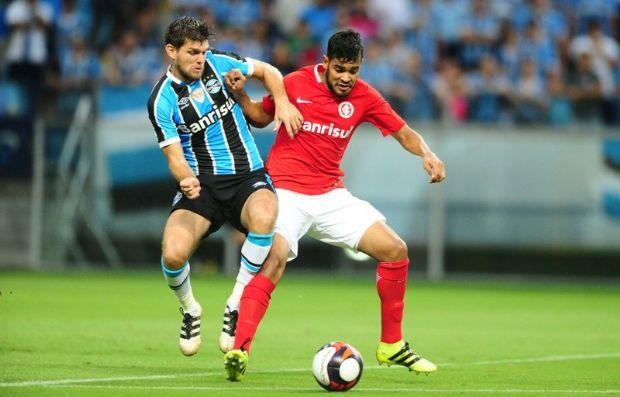 Brenner em partida contra o Grêmio