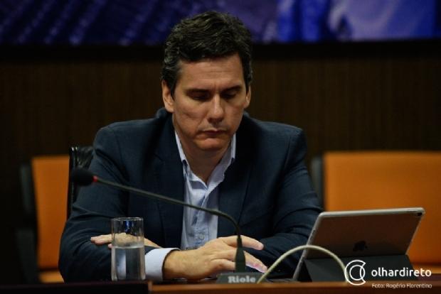 """Gallo revela """"chance remota"""" de acordo que pode antecipar regularização dos salários"""