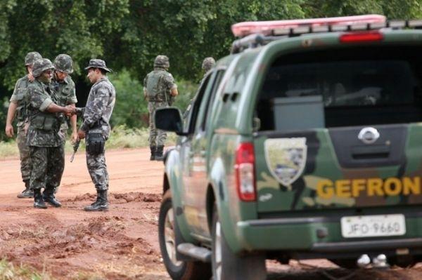 Policial é baleado após troca de tiros e perseguição próximo à fronteira