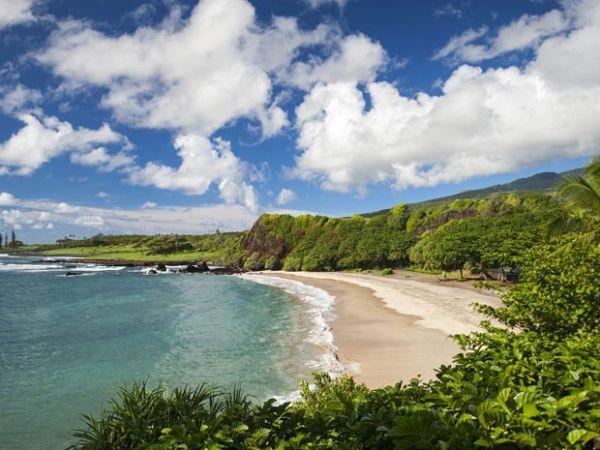 Também localizada no Havaí, Hamoa Beach foi eleita a quarta melhor praia dos EUA no ranking de 2015 (Foto: Travaasa Hana/AP)