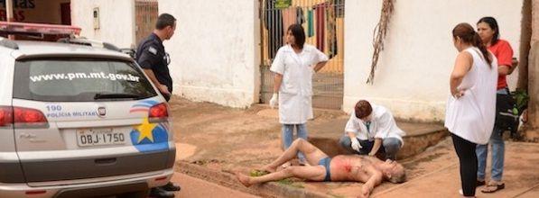Homem é esfaqueado e Samu manda populares levarem vítima a hospital