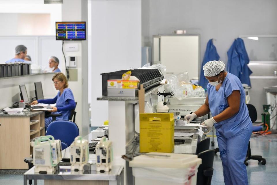 Deputados aprovam proposta do governo de manter verba adicional a profissionais de saúde até dezembro