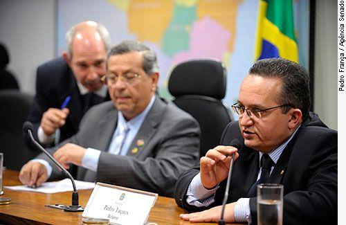 Taques e Campos concordam com prorrogação de CPMI do Cachoeira