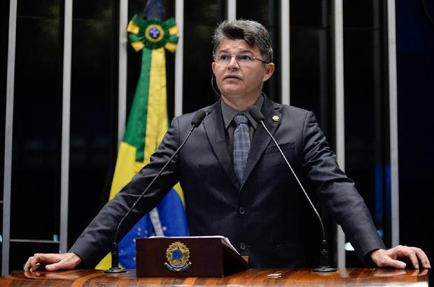 Contrariando Bolsonaro, Medeiros vota por aumento de salário do STF e diz que visa fim de auxílio