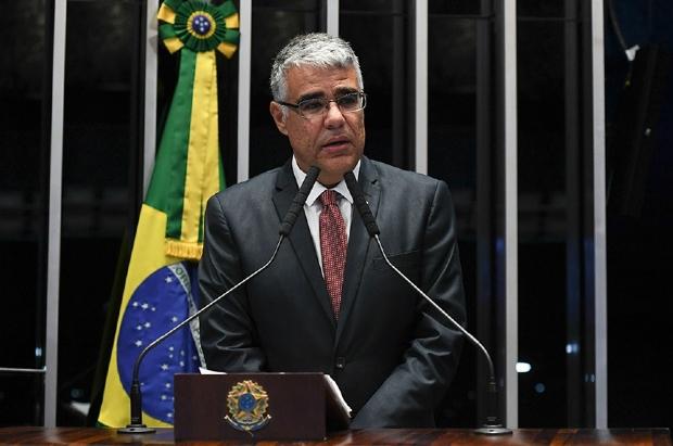 Após Kajuru e Lasier, Girão defende Selma e afirma que ex-juíza sofre com ditadura do judiciário