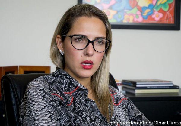 Janaína Riva não entendeu os motivos da prisão do pai