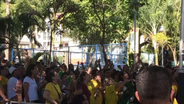 Após primeiro tempo de sufoco, gols do Brasil saem e cuiabanos festejam vaga nas quartas de final