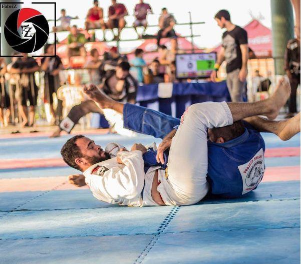 Top 10 mundial, lutador mato-grossense faz rifas para bancar despesas com campeonatos