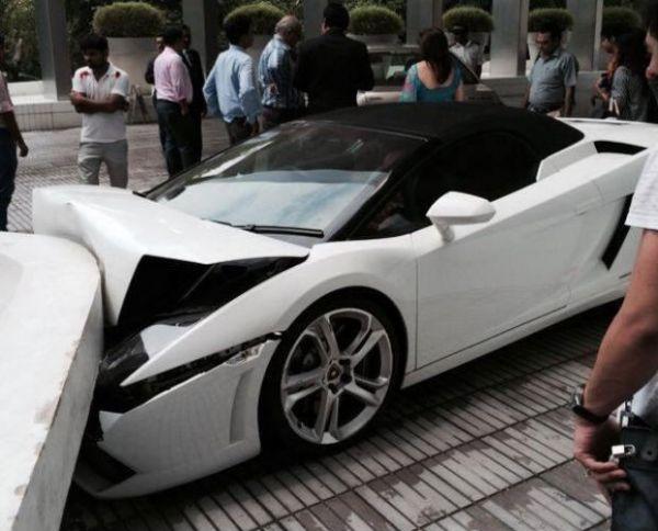 Manobrista Bate Lamborghini Gallardo Spyder Na 205 Ndia