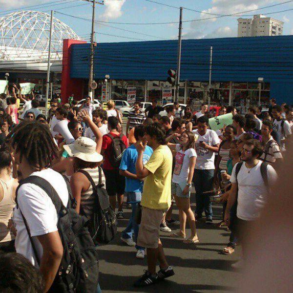 Estudantes se mobilizaram no local onde tudo começou
