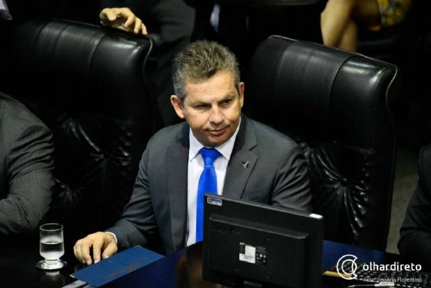 Em primeiro ato, Mauro Mendes estende expediente de servidores públicos em MT