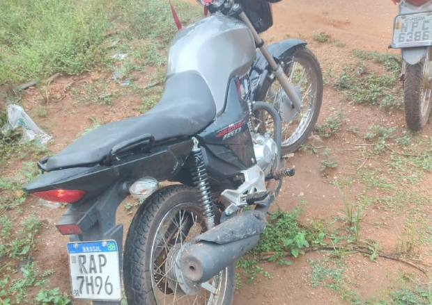 As duas motocicletas roubadas foram encontradas em Poconé