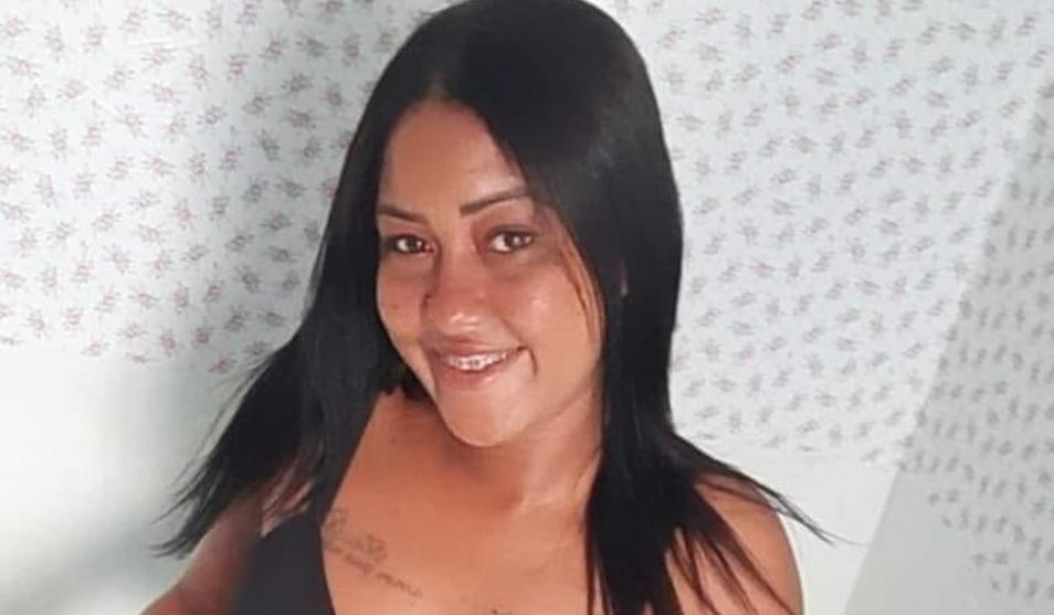 Jovem sem CNH morre após bater motocicleta em poste