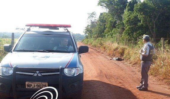 Homem é encontrado morto com dois tiros em estrada de terra próxima a Tangará