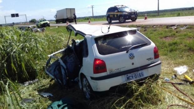 Colisão frontal entre dois veículos deixa seis vítimas na BR-163