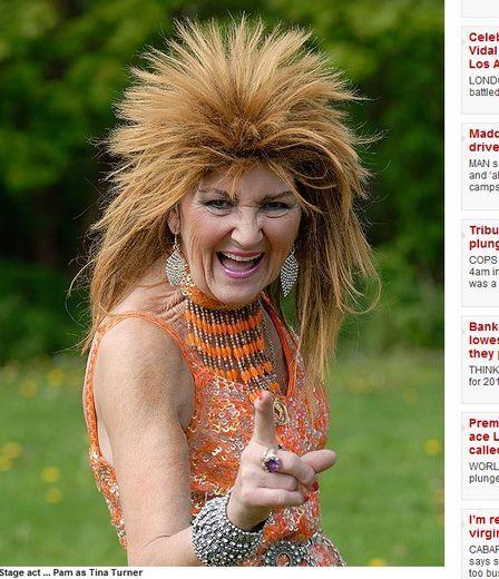 Exigente, cantora de cabaré se diz pronta para perder virgindade aos 70